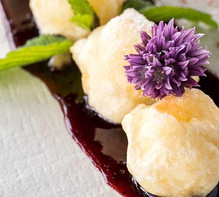 "Melinda Renetta Apple Dumplings With Moscato Giallo Athesim Flumen (Book ""Cucina & Magia"")"